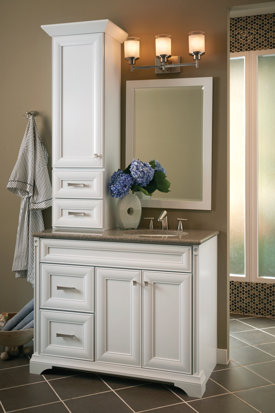 Kraftmaid bath cabinet gallery kitchen cabinets decatur ga for Bathroom cabinets kraftmaid